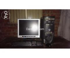 P4 cpu &LCD with 2.8 ghz,1gb ram, DVD writer,20 gb Hard