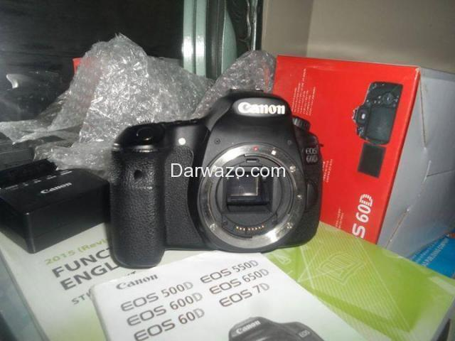 DSLR CANON 60D BRAND NEW ALMOST - 1