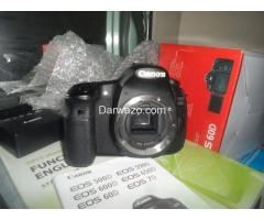 DSLR CANON 60D BRAND NEW ALMOST