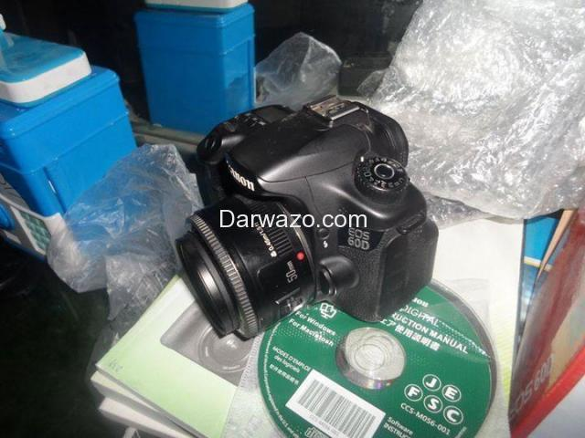 DSLR CANON 60D BRAND NEW ALMOST - 3