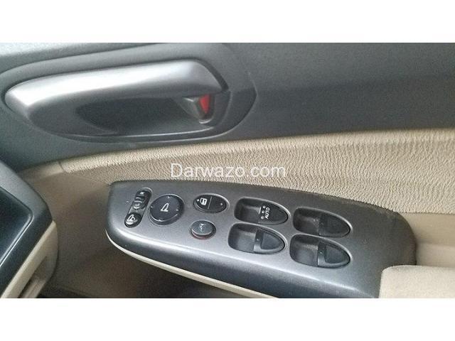 Honda Civic Reborn VTi Oriel 1.8 i-VTEC 2009 M/T - 3/10