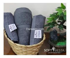 Quality Pillows and Towels for Sale - Image 10