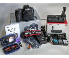 Canon EOS 5D Mark III Strap, BL-5DIII, Battery Charger, Field Guide, Low Shutter - Image 1