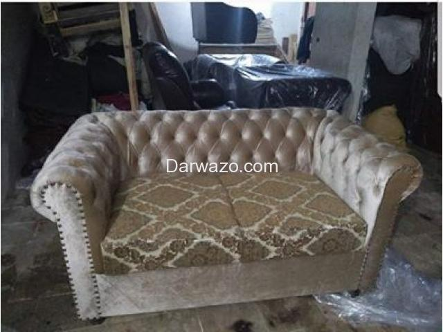 Chester sofa for Sale - 5
